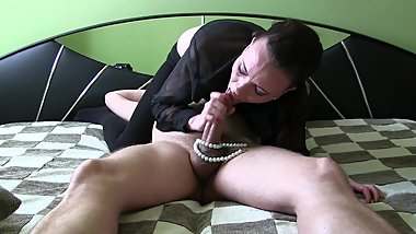 SLOPPY DEEPTHROAT WITH PEARLS(BACKSTAGE)BLOWJOB QUEEN SYLVIA CHRYSTALL. HD.