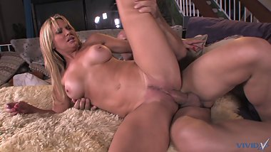 Big dicked bald guy loves to fuck this gorgeous milf blonde bombshell next door