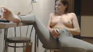 Milf play with her pussy on freshdatemilfs dot com