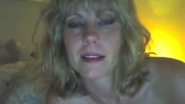 Skinny Blonde Mom masturbates on webcam