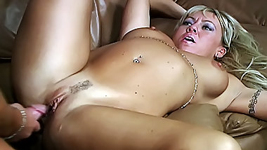 Sexy blonde milf gets her ass fucked
