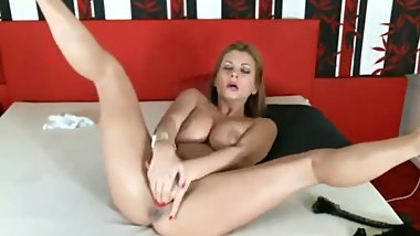 DorothyBlack Beautiful blonde with juicy breasts plays with her pussy