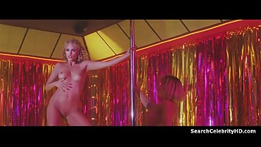 Elizabeth Berkley, Rena Riffel in Showgirls (1995)
