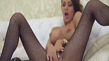 euro milf strips and rubs clit