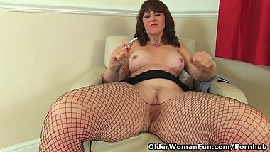 Scottish milf Toni Lace is your secretary in fishnets