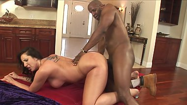 Slut MILF Kelly Divine Takes Monster Black Cock In Her Big Tight Ass