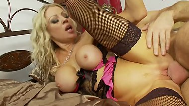 BUSTY CINDY GET HARD COCK IN HER PUSSY