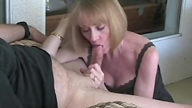 Fellatio From A Sexy Amateur GILF