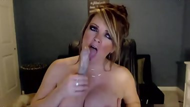 Squirting big breasted milf with gorgeous blue eyes