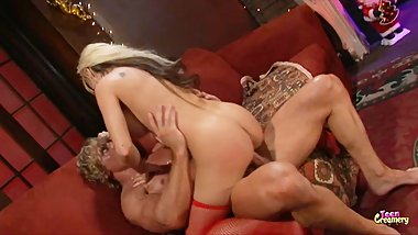 Big Booty Blonde Mom Gets Ass Fucked and Massive Facial