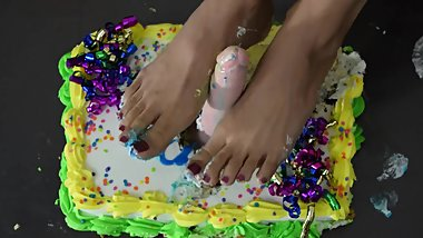 BIRTHDAY CAKE FOOTJOB