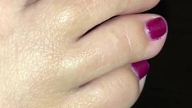 Quick closeup midnight cum on my HOT sexy toes!
