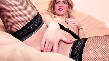BIT TIT BLONDE MILF PLAYS WITH TOYS AND GETS FUCKED IN HER ASS