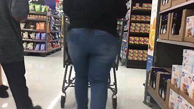 Beautiful Milf in Jeans