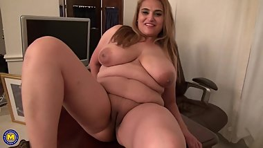 Busty natural mature mom Maya needs a good fuck