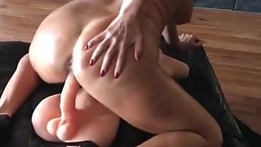 Hot MILF Cam Model Katie71 rides toy.