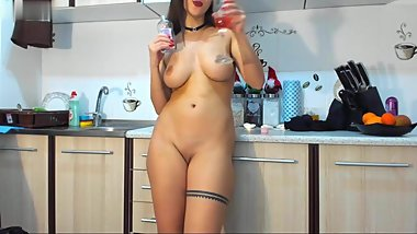 romanian cam-slut in the kitchen