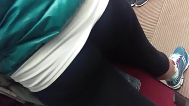 milf booty in yoga pants