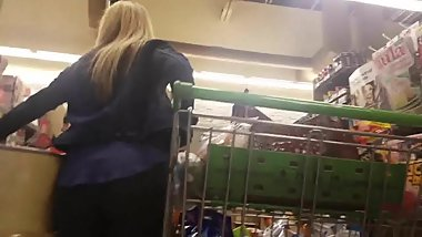 Blonde MILF grocery shopping