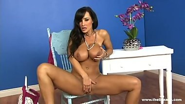 Gorgeous Lisa Ann Shows Off Her Succulent Round Ass HD 1080p