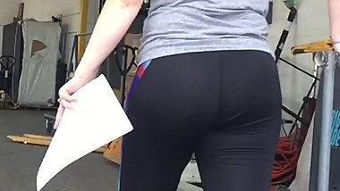 Nice Milf Ass in Spandex