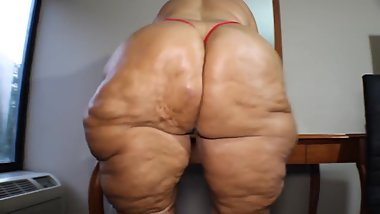 Huge Granny PAWG Hips and Ass
