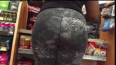 Juicy Black Milf Booty in Spandex