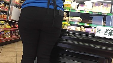 Black Milf Ass in Black Jeans