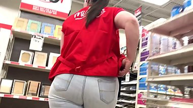 Tight Jeans Can't Hide Mature PAWG Jiggly Ass
