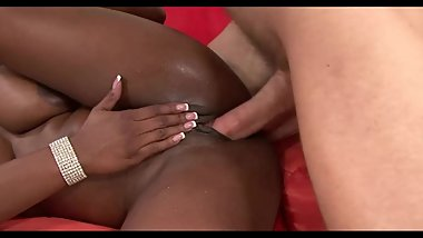 Ebony Milf Squirt Like A Fountain