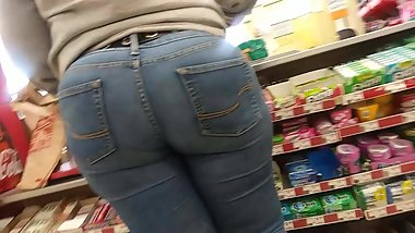 Big ass Ebony At Family Dollar