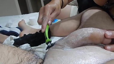 Shaving,massage HJ & cumshot (rasurada ll)