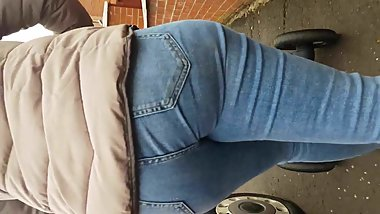 Jeans Deep in MILF Ass