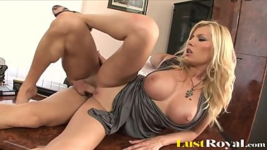 Rich Beautiful Blonde Babe Fucking With A Handyman