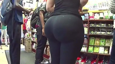 Amazing juicy ass girls in tight spandex