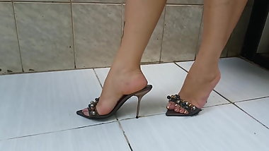Milf feet and high heels