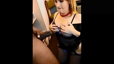 Cycle MILF love fucking black guys